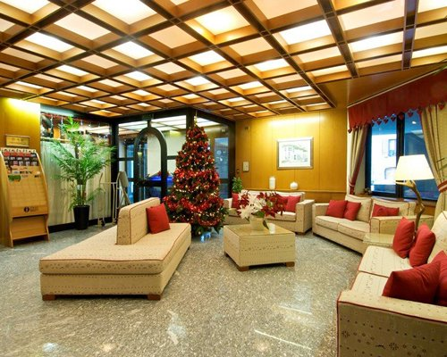 Festively decorated lounge area at Residence Universo.