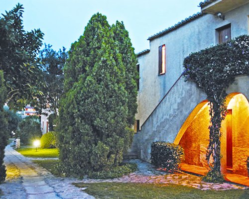 Scenic pathway and entrance to a unit at Villaggio l'Olivara.