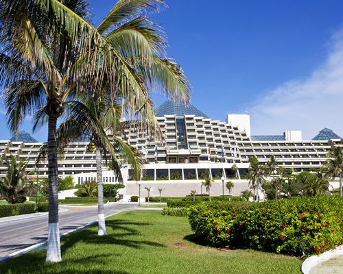Scenic exterior view of Mvc at Paradisus Cancun.