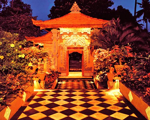 A scenic pathway leading to Bali Tropic Resort & Spa.