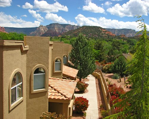 Scenic exterior view of Sedona Springs Resort.