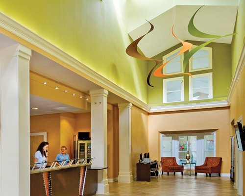 A well furnished reception area at Wyndham Nashville resort.