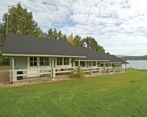 Scenic exterior view of the Holiday Club Yllas 3.