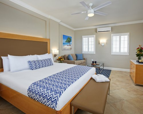 Divi Little Bay Beach Resort 4219 Details  RCI