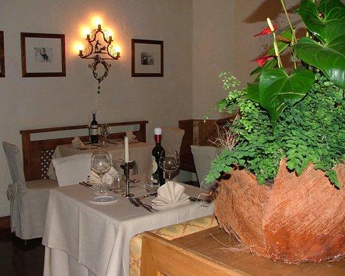 Indoor restaurant at Park Hotel Faloria.