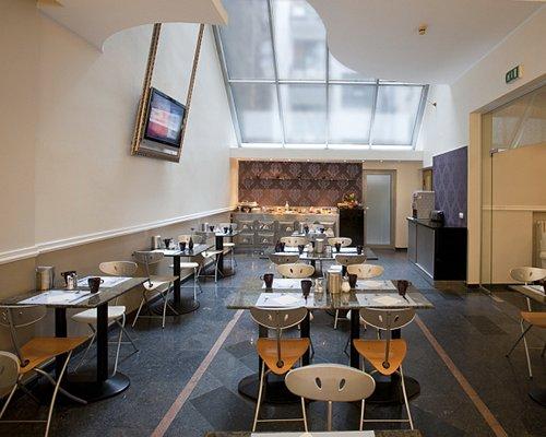 Indoor restaurant at Clubhotel Ambra.