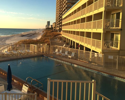 Panama City Resort &...
