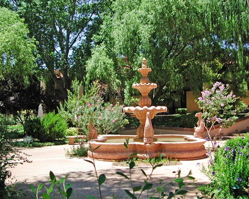 A scenic area with water fountain.