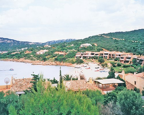 View of the Residenza Chrysalis Bay resort properties and the beach.