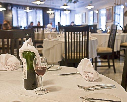 Indoor bar and restaurant at Sunset Marina Resort And Yacht Club.