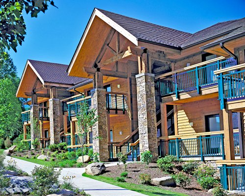 Exterior view of Bent Creek Golf Village.