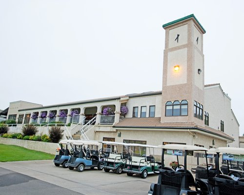 Scenic exterior view of Paradise Canyon Golf Resort with golf carts.
