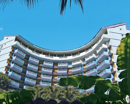 Scenic exterior view of Hotel Decameron Galeon.