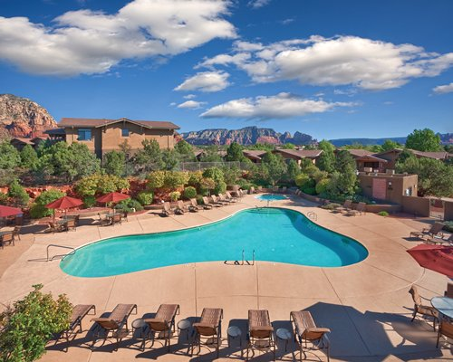 The Wyndham Sedona's outdoor pool surrounded by red rock.