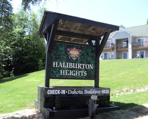 Signboard of GEOHoliday at Haliburton Heights.