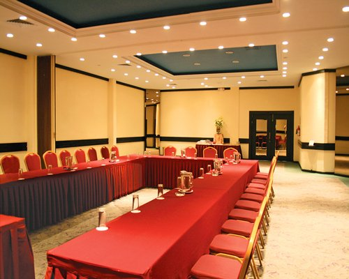 Conference room at Hotel & Suites Guadalajara Plaza Lopez Mateos.