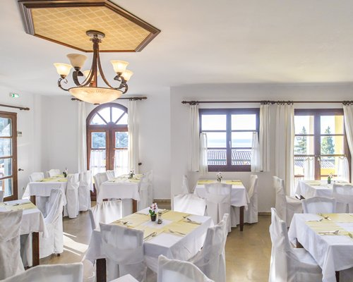 Indoor restaurant at Corfu Residence.