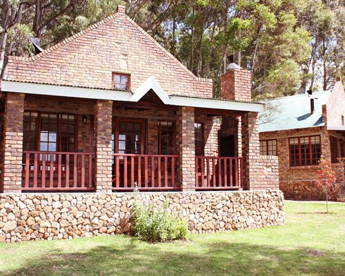 A unit with balcony surrounded by wooded area at Dunkeld Country Estate.