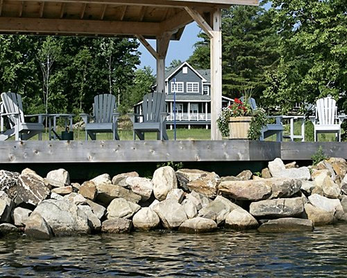 A waterfront view of Tory's Landing resort.