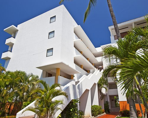 An exterior view of the Club Melia at Melia Puerto Vallarta resort.