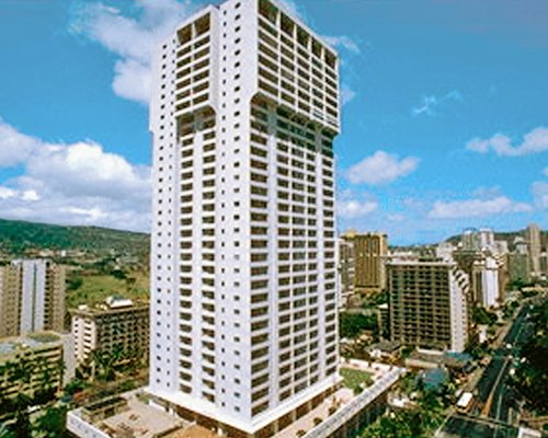An exterior view of the skyscraping Vacation Internationale Royal Kuhio resort.