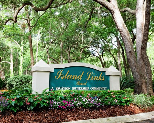 Signboard of Island Links Resort by Palmera.