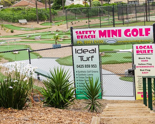 The entrance of the outdoor miniature golf.