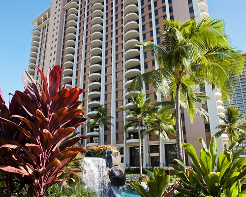 Exterior view of Grand Waikikian by Hilton Grand Vacations Club resort.