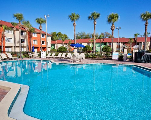 Legacy Vacation Club Orlando Resort World's large outdoor swimming pool.