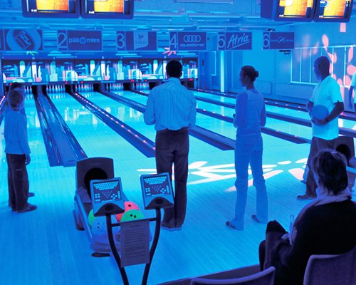 An indoor bowling alley at Holiday Club Tahko Spa.