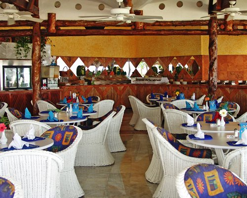 A view of indoor fine dining restaurant with buffet.