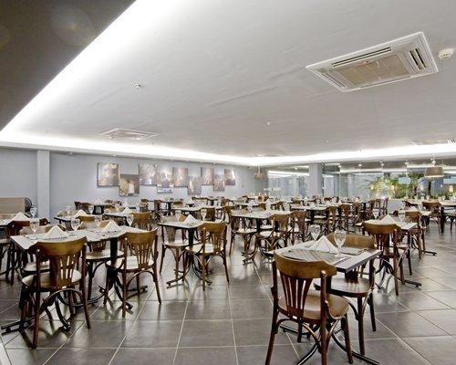Restaurant at Slaviero Slim Sao Paulo Congonhas.