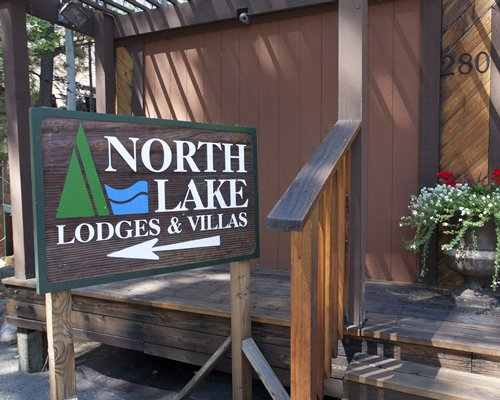 Signboard of the North Lake Lodges.