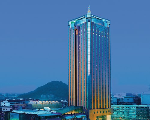 An exterior view of the skyscraping hotel.