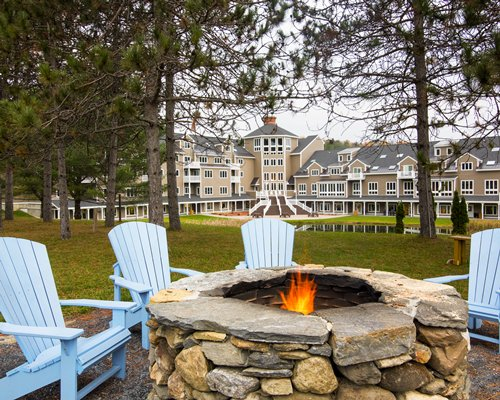 Street view of Holiday Inn Club Vacations Mount Ascutney Resort.