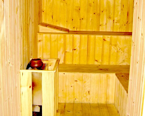 Sauna at Howard Johnson Hotel Guayaquil resort.