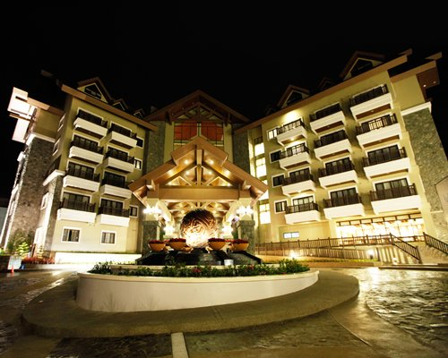 The Azalea Baguio Re...
