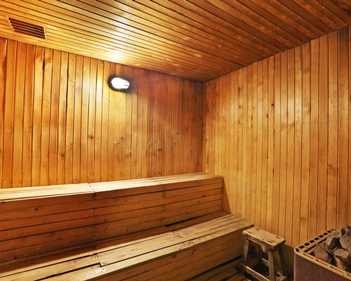 A well furnished sauna.