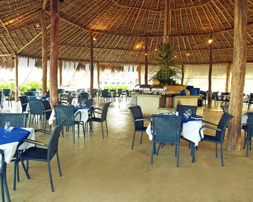 An outdoor restaurant at Sun Sol Punta Blanca.