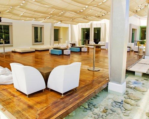 Lounge area at BlueBay Grand Esmeralda.