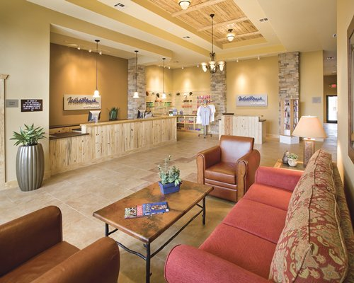 Lounge area with a shop at WorldMark New Braunfels.