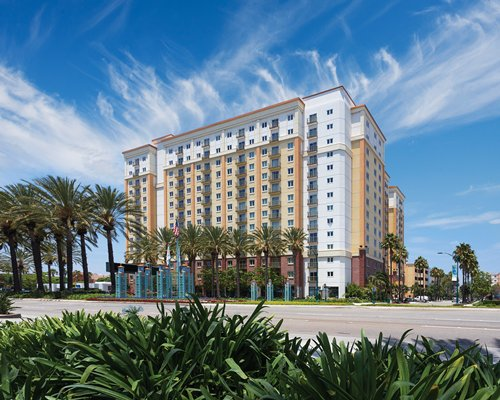 Exterior view of WorldMark Anaheim.