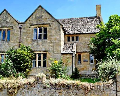 Scenic exterior view of Gravel Cottage.