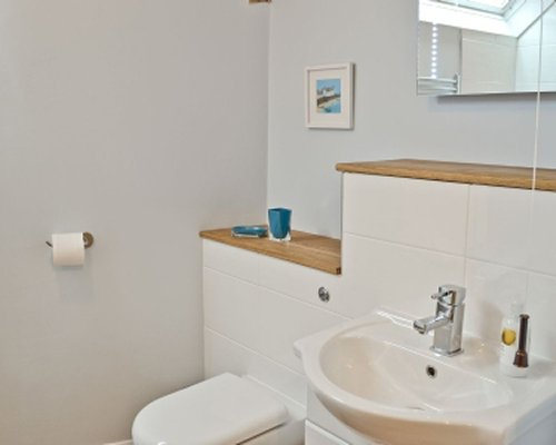 A bathroom with sink.