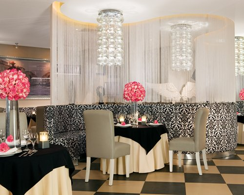 An indoor restaurant at Dreams Palm Beach Punta Cana Resort & Spa By UVC.