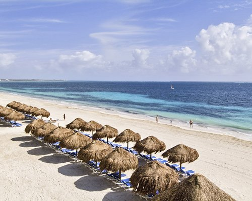 Now Sapphire Riviera Cancun by UVC