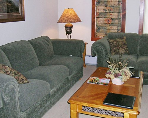 A well furnished living room.