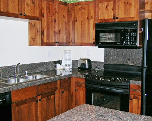 A well furnished kitchen.