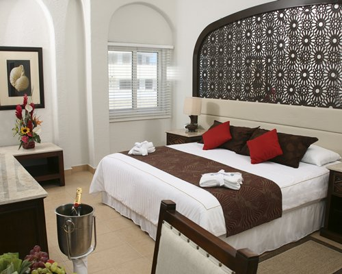 A well furnished master bedroom.