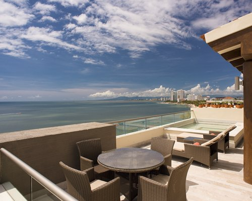 Now Amber Puerto Vallarta by UVC